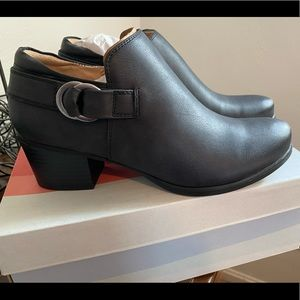Naturalizer Soul ankle boots - brand new!